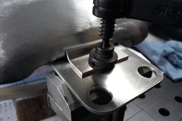 Patte réservoir Aluminium